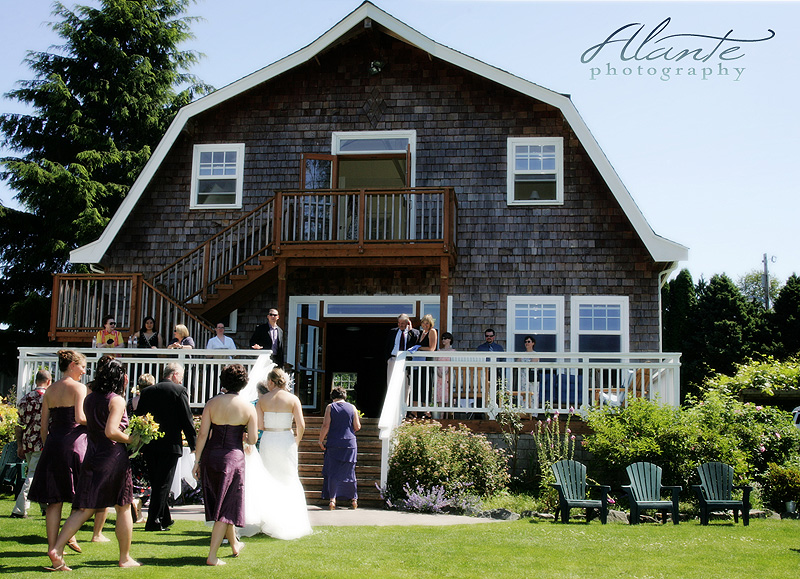 A Seattle Wedding at A Country Location