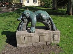 Panther sleeping (Eva the Weaver) Tags: sculpture bronze gteborg geotagged sweden gothenburg link panther 1949 association sculpted tenuous farfetched tenuouslinks tenuouslinl einarluterkort