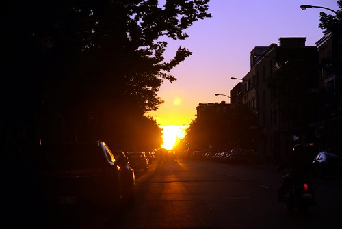 Sunset on boulevard St-Laurent