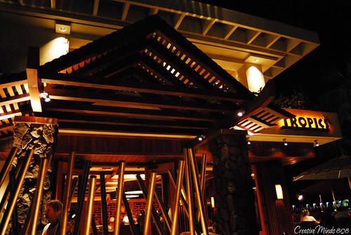 Tropics Bar & Grill - Hilton Hawaiian Village Waikiki