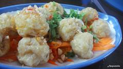 Fried Fish Ball Salad / ลูกชิ้นปลาทอดทรงเครื่อง