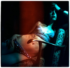 helena (pixelwelten) Tags: portrait color colour art analog mediumformat dark kunst hamburg sensual belly medium format nah analogue hip emotional delicate armchair intimate mittelformat intim sinnlich nachhaltig pixelwelten rdigerbeckmann wwwpixelweltende beyondvanity jenseitsvoneitelkeit