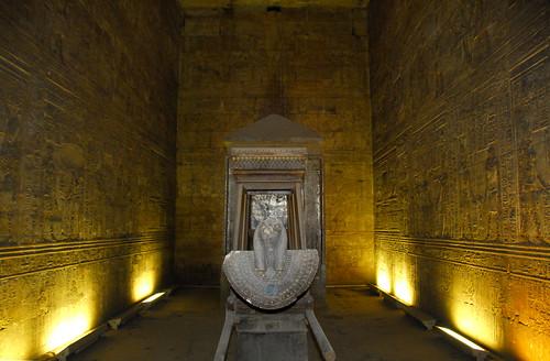 LND_3452 Temple of Horus