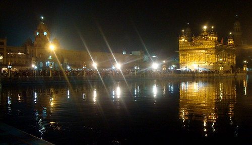 Devotees queued at Golden Temple, Amritsar