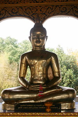 20080316_0635  Wat @ Ban Mae Taeng,วัดบ้านเด่นสะหรีศรีเมืองแกน (ol'pete) Tags: hall buddha buddhist statues buddhism images chiangmai canoneos350d lanna thialand assemblyhall buddhastatue buddhaimage เชียงใหม่ ประเทศไทย maetaeng รูปปั้น wihan lannastyle buddharupa วิหาร ศาสนาพุทธ อแม่แตง พระพุทธเจ้า พุทธศาสนิชน bantaeng วัดบ้านเด่นสะหรีศรีเมืองแกน lannaart วัดเด่นสะหรีศรีเมืองแกน watdensareesrimuanggaen พระพุทธเจ้ารูปปั้น amaetaeng doilopete peterwrichards