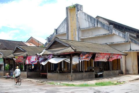 Old Kampot Market