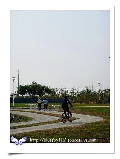 090418-2高雄都會公園14_自行車道