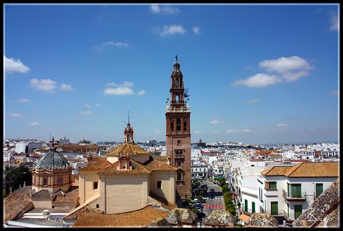 Vista de la Iglesia de San Pedro desde el Alcázar Puerta de Sevilla