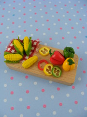 Colorful Cutting Board (Shay Aaron) Tags: food house scale pepper miniature corn doll sweet handmade fake vegetable polymerclay fimo veggie cob 112 redpepper sweetcorn dollhouse cuttingboard