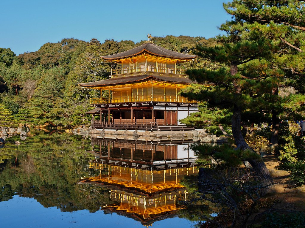 The golden pavilion-ROKUON-JI TEMPLE   金閣寺
