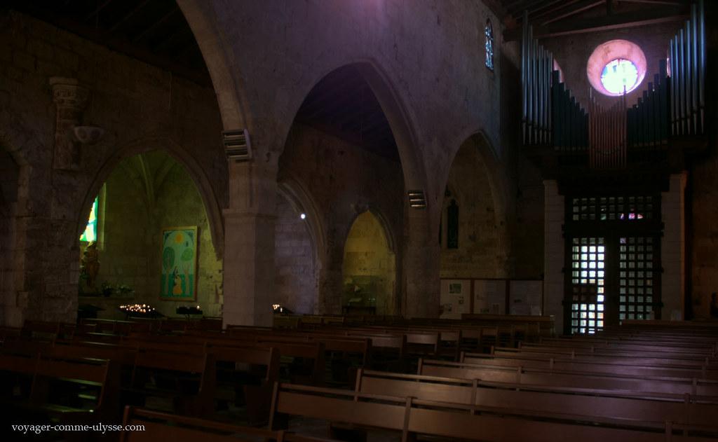 Intérieur de léglise de Notre Dame des Sablons