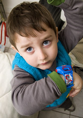tomas (barnigomez) Tags: blue portrait argentina azul kid play retrato rosario jugar tomas nio tomy tomasito ojoscelestes vigistain