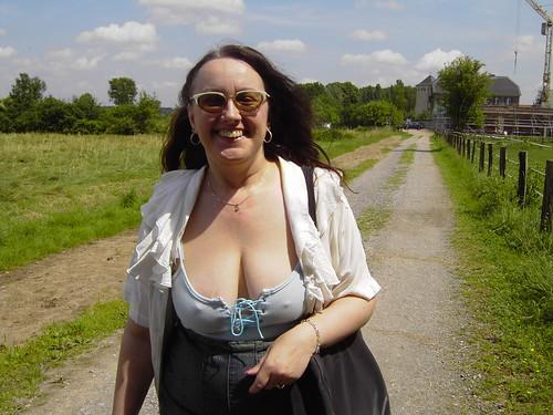 Marion geht spazieren - a photo on Flickriver