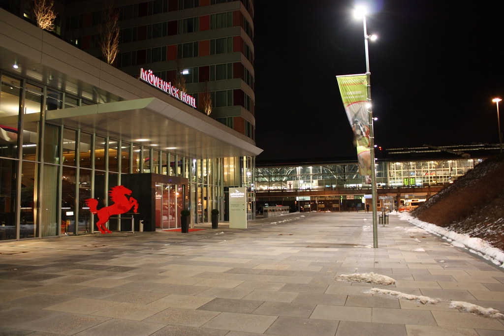 Hotel Mövenpick Airport (3)
