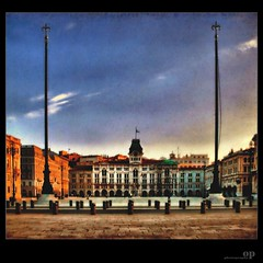 Trieste, Piazza dell'Unit d'Italia on canvas (Osvaldo_Zoom) Tags: friends urban landscape canvas flickrfriends trieste piazzasanpietro piazzagrande piazzaitalia pseudohdr piazzadellunit piazzafrancescogiuseppe