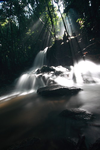 Kemensah Waterfall | Waterfall with ray of light low angle