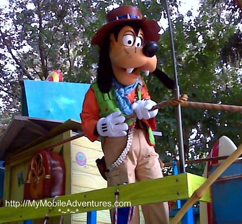 IMG01403-DAK-Parade-Goofy