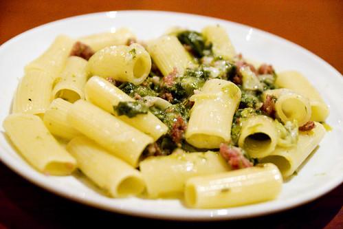 Rigatoni con sausage and escarole