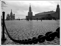 MOSCOU 2009 (philippelaurens) Tags: travel sunset vacation people blackandwhite bw sun white black france color nature colors photo nikon europe flickr raw day russia pics tripod best fave explore faves shiningstar russie planetearth bestphoto theflickys 469 placerouge redplace kartpostal flickrbest flickrplatinium d700 amazingshots flickraward flickrdiamond eperkeaward rubyaward beautifullshot nationalgéographic theperfectpinkdiamond nikonaward thelightpainterssociety championsflickr artofimages thedantecircle flickrstoday