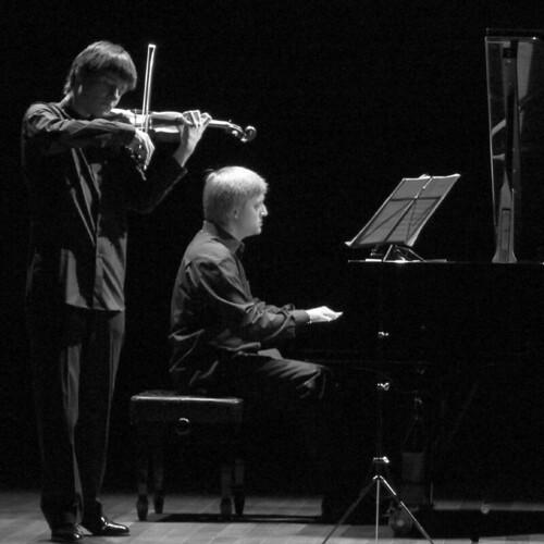 ALEJANDRO BUSTAMANTE (VIOLIN) - JOSÉ ENRIQUE BAGARÍA (PIANO) - IN CONCERT 30.03.09 LEON
