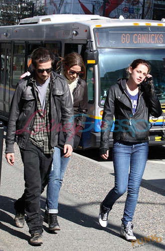 kristen stewart and michael angarano. Kristen Stewart and Boyfriend