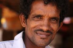 Pettah Market (Gwenaël Piaser) Tags: ceylon ceylan pettah colombo march 2009 srilanka unlimitedphotos canon eos 50d canoneos eos50d canoneos50d 50mm sigma 50mmf14exdghsm market portrait 300 400 500 600 700 800 gwenflickr 900 1000 strangers100 2000 prime