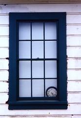 05.21pm (Robert_Ross28d) Tags: clock window time frame sanfran windowofopportunity