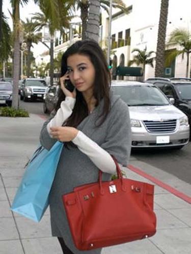 Manohara Odelia Pinot - Indonesian-French socialite/royalty ...