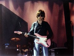 Elliot Easton, of The Cars (March 22, 1982) (jackbyte.net) Tags: pink music cars concert guitar live largo elliott easton thecars pinkguitar capitalcentre elloitteaston