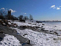 The shore of Kaivopuisto (Andy Siitonen) Tags: winter sea snow ice helsinki shoreline balticsea kaivopuisto iceandwater