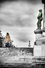Woman & Soldier (Werner Kunz) Tags: trip travel vacation bw woman holiday france girl photoshop soldier blackwhite frankreich europa europe european euro urlaub eu nantes werner reise hoya selectivecolor r72 kunz explored nikond90 werkunz1