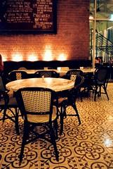 P.S. Cafe, Palais
