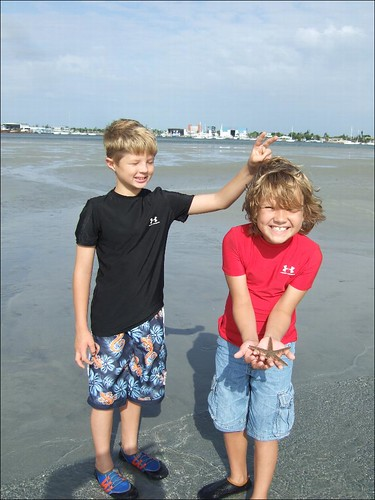 Seth and Dawson with a beaded starfish!
