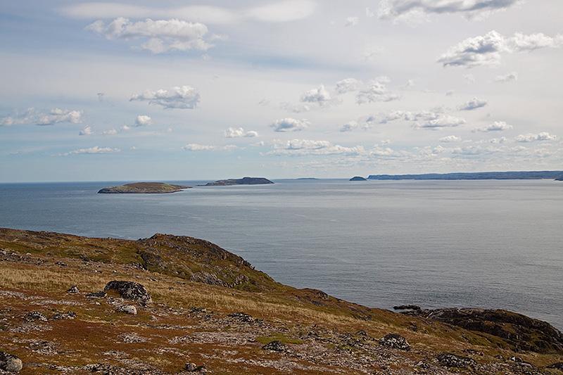 Вид на архипелаг Семь островов с острова Харлов