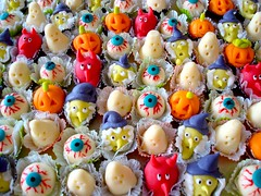 SWEET SUGAR - By Michelle Lanza - candy treats!! (SWEET SUGAR By Michelle Lanza) Tags: halloween candy sweetsugar docinhos michellelanza