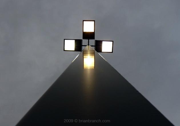 P1030545_lightpost