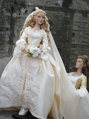 Bride4 (annesstuff) Tags: bride weddingdress piratesofthecaribbean aliceinwonderland queenofhearts tonnerdoll elizabethswann roberttonner annesstuff