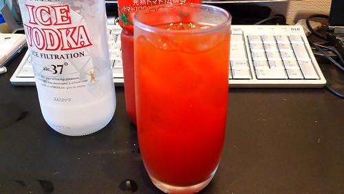 トマトジュースを入れる