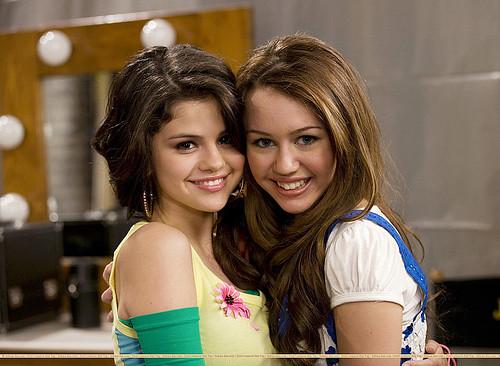 demi lovato and selena gomez and miley. Selena Gomez amp; Miley Cyrus