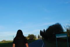 Rover, wanderer, nomad, vagabond... (The North West Of Nowhere) Tags: road blue trees sky espaa verde green grass tarmac azul spain rboles carretera galicia galiza cielo ceo asphalt asfalto roam spanien hierba spagne herba rbores tensk whereimayestrada