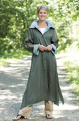 r2 (wlasto1) Tags: coat raincoat