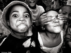 """jeux d'enfants"" - portraits Malgaches 3 (Corinne DEFER - DoubleCo) Tags: travel portrait people black blancoynegro corinne child noiretblanc retrato enfants enfant nio madagascar malagasy defer  madagaskar madagasikara  ilerouge ambositra grandele malagasyrepublic hautsplateaux madagaskara  platinumheartaward   democraticrepublicofmadagascar madagaskaro madagaskaras      20081222madagascar corinnedefer updatecollection directionambositra"