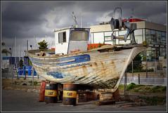 viejo cascarn (santapolero) Tags: santa boat spain barrels woodenboat yashica soe pola patricio oldboat santapola woodboat blueribbonwinner bej abigfave anawesomeshot yashicaml50mmf17 theunforgettablepictures santapolero goldstaraward yashicaml1750mm yashicaml1750