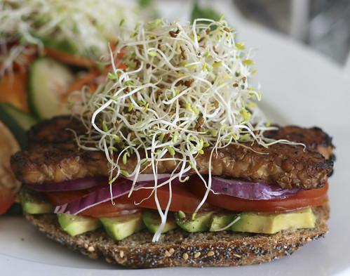 Smoky Tempeh Sandwich