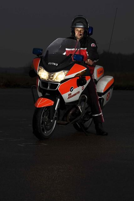ambulance bmw motorcycle paramedic rettungsdienst fru bluelights motorrad rettungsassistent