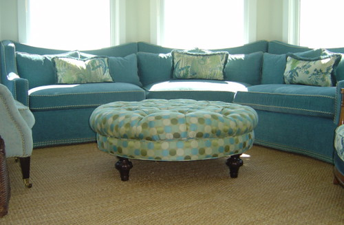 Mountain View Sectional and round ottoman