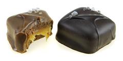 Compartes - Fleur de Sel Caramels (milk & dark)