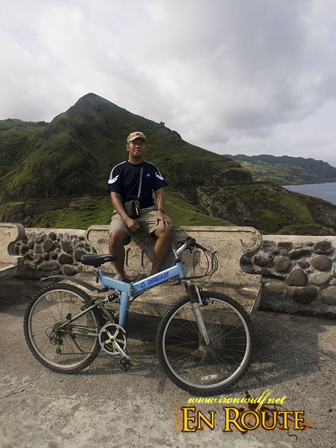 Tanned author and his bike at Chanarian View Deck