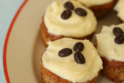Caffé Latte cupcakes / Kohvimuffinid toorjuustuvõõbaga