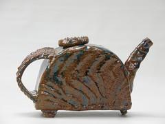 Wire cut hand build teapot (Ant Ware) Tags: ceramic ceramics hand tea pot pottery teapot build stoneware handbuild antware marienagy